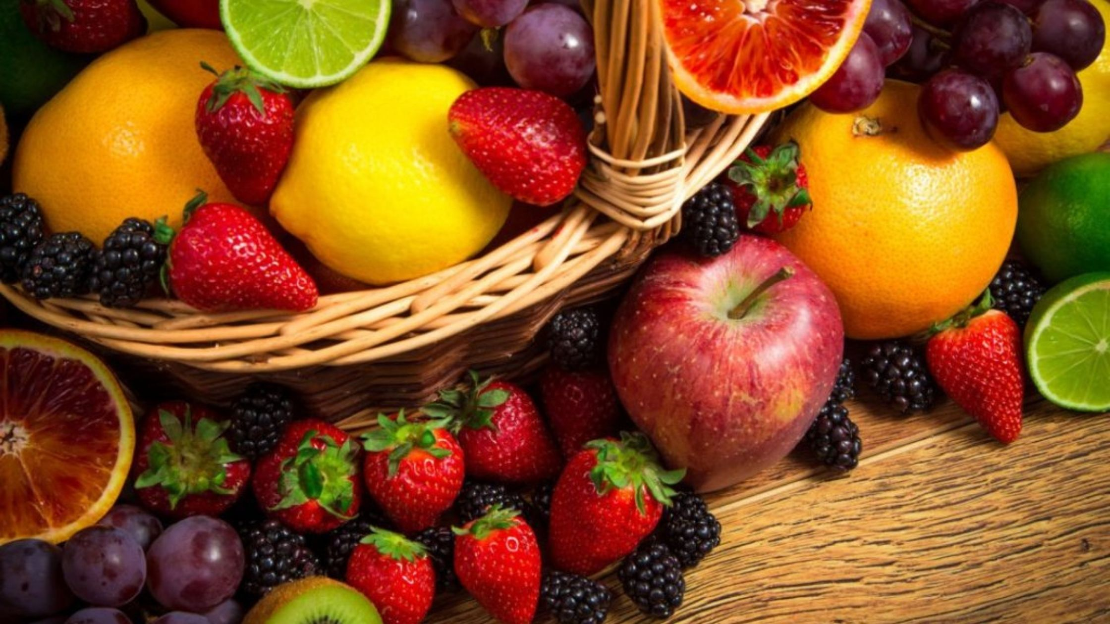 Fruits and berries on keto