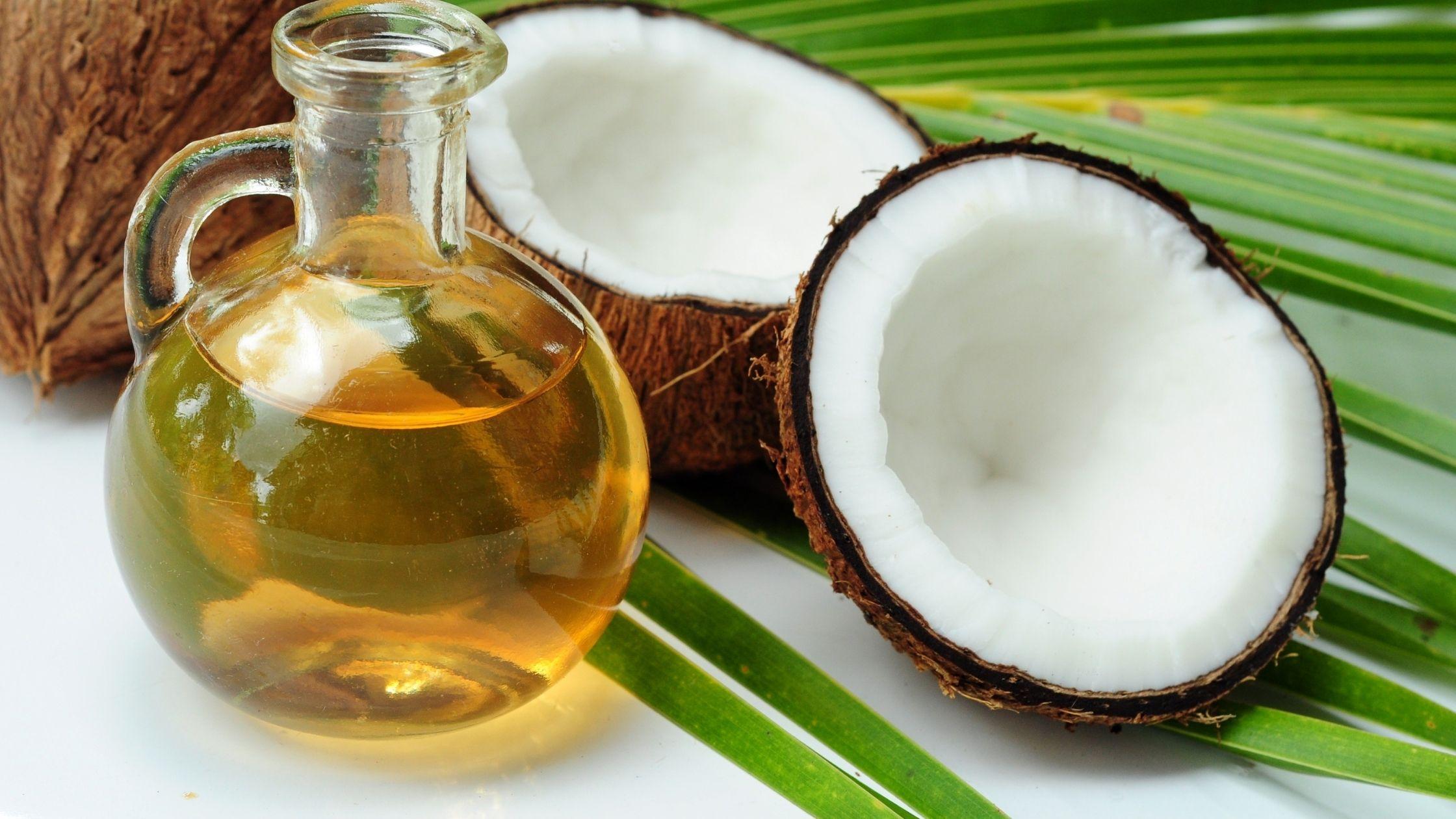 9 Beneficial Fatty Acids in Coconut Oil