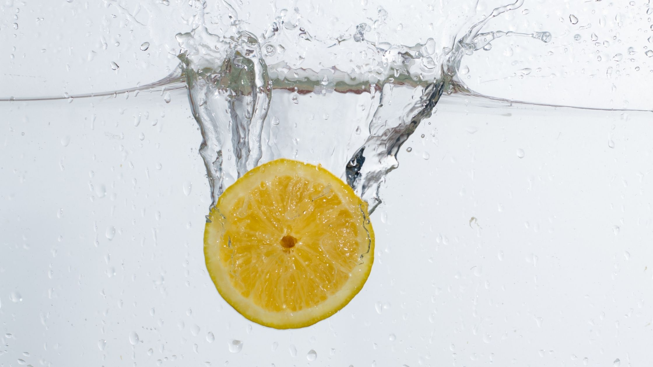 Benefits of Lemon Water on Keto Diet