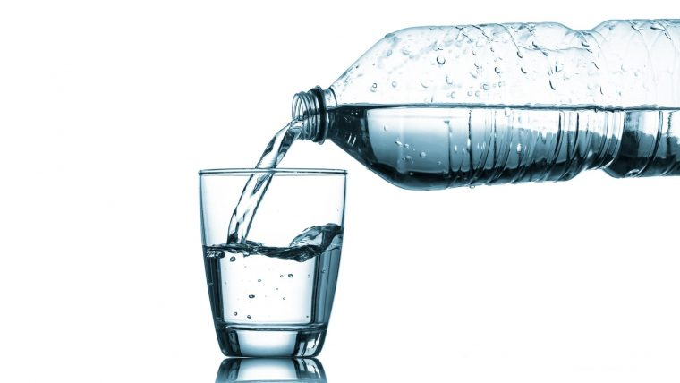 How Much Water Should I Drink On Keto? Tips and Advice for beginners